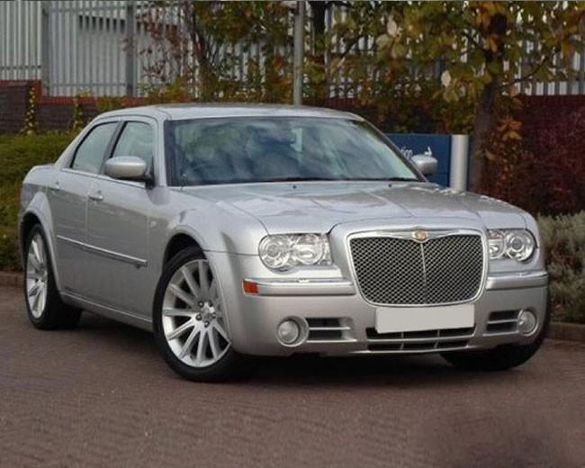Chrysler 300C Baby Bentley Hire UK | Modern Wedding Cars ...